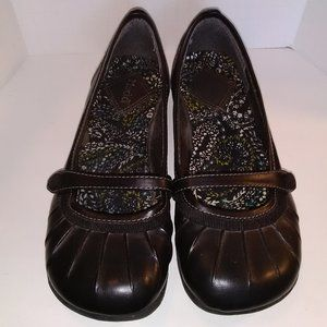 Mudd  Womens Shoes Size 8.5